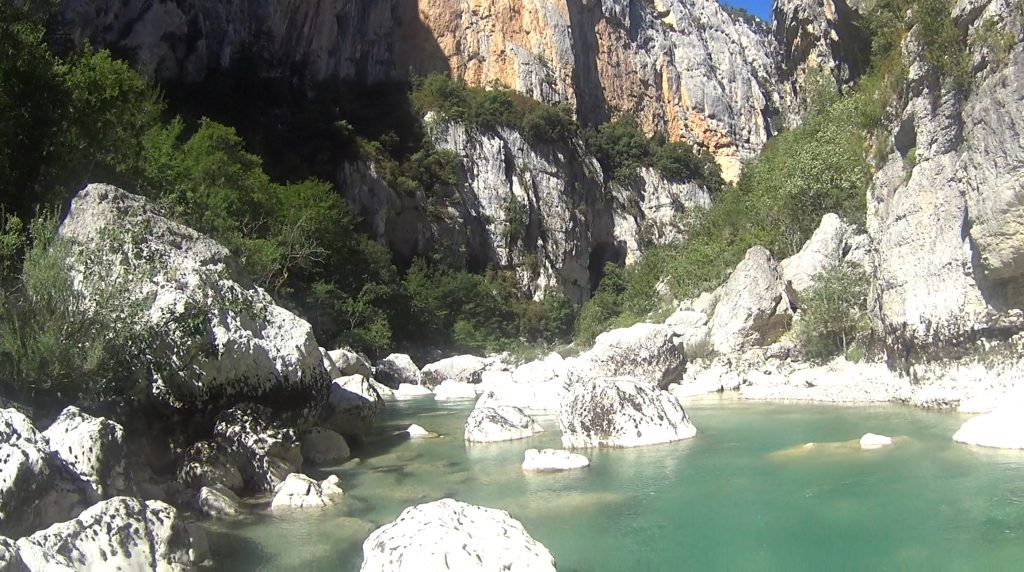 Beautiful views during the aqua rando in the Gorges du Verdon