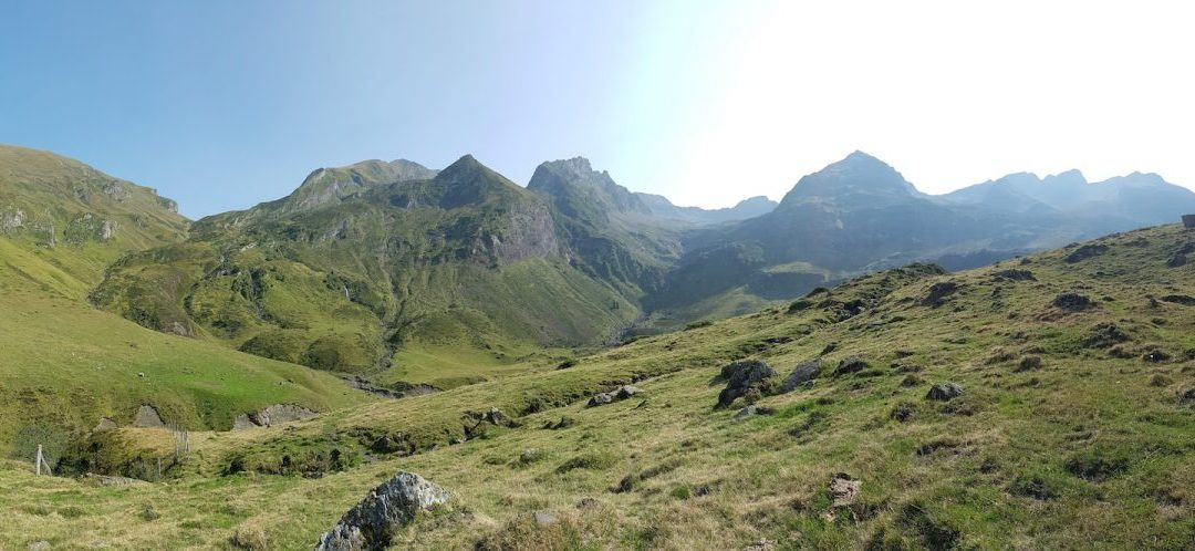 Hiking in the Pyrenees – A Beautiful Day Hike in the Vallee de Louron, from Loudenvielle